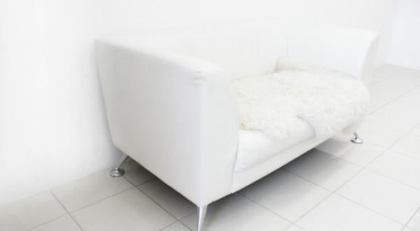 ホワイトのアンティークソファのおすすめをご紹介